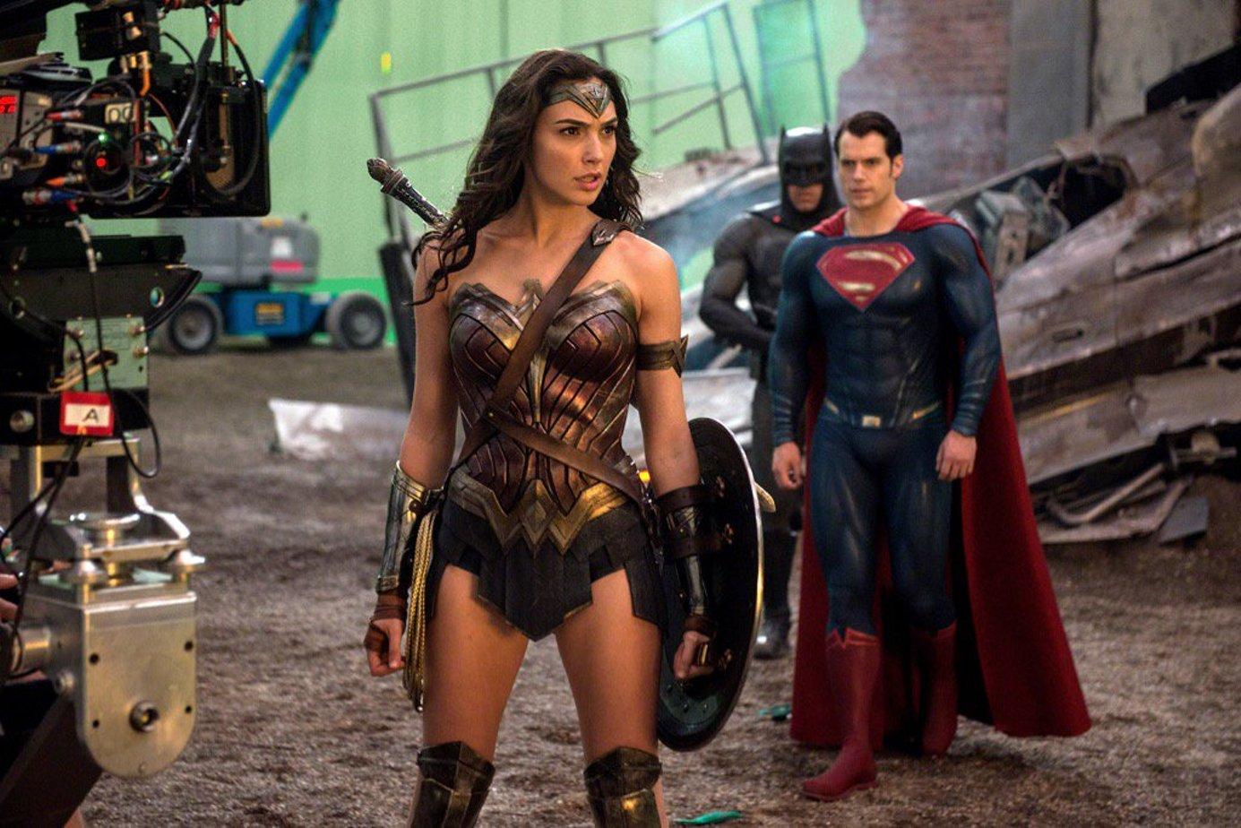 галь гадот Бэтмен против Супермена