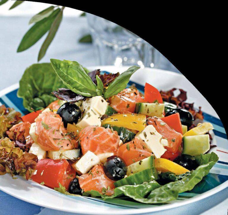 Салат с рыбой - простой рецепт