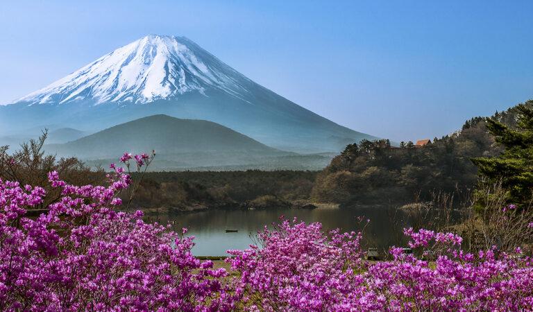 Почему гора Фудзи стала символом Японии?