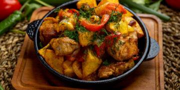 Блюдо из мяса и овощей